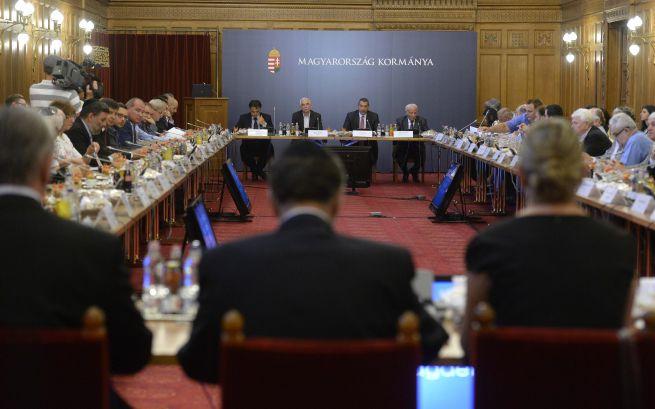 A Zsidó Közösségi Kerekasztal ülése az Országházban