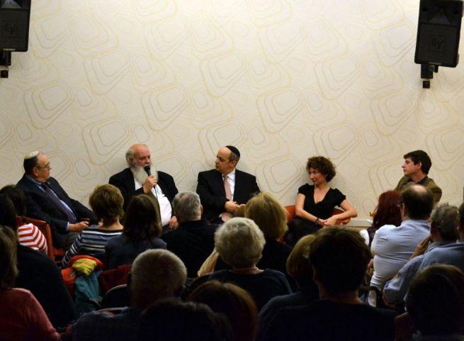 Raj Ferenc, Iványi Gábor, Verő Tamás, Gyurkó Szilvia, Büchler András (balról jobbra)