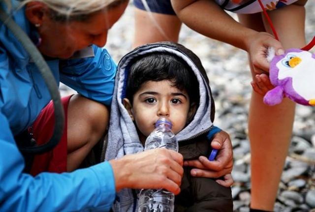 szíriai menekült kisfiú