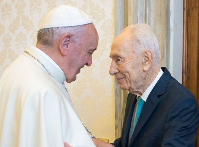 Ferenc pápa és Simon Peresz