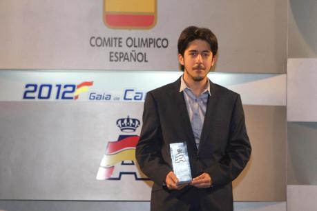 Fernando Guerrero Ortega tras recibir el primer premio del Trofeo RFacting Fórmula Online 2012.