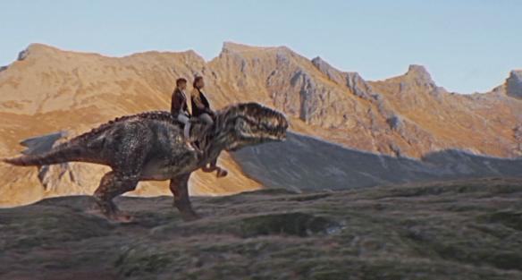 David Hasselhoff en un T-Rex. Pasen y vean.