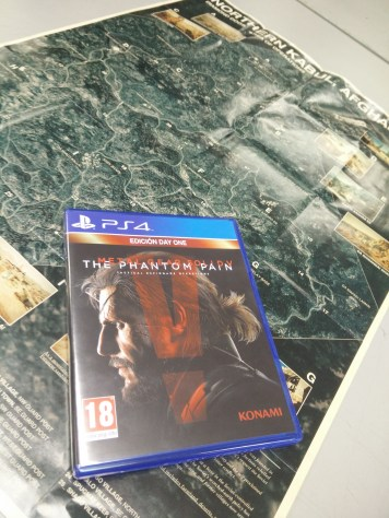 Metal Gear Solid V Edicion Day One y guia oficial (4)