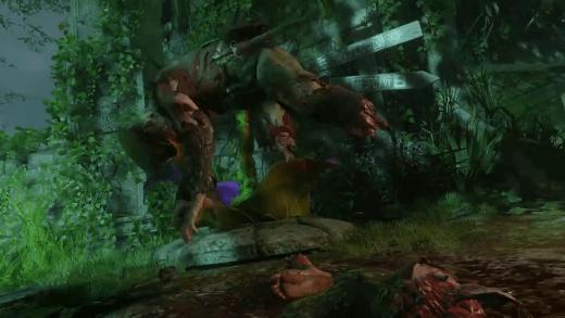 Al pasar un zombie arrastrándose sin piernas, la planta lo empala. El vídeo no deja ver si lo acaba de matar.