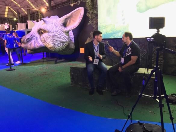 Ray entrevistando a Mario Ballesteros en la Barcelona Games World