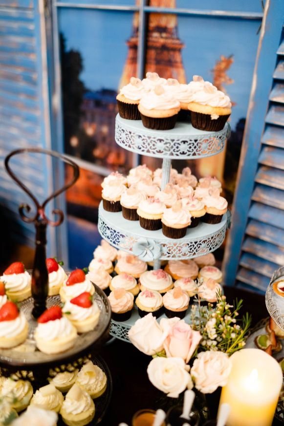 8 wedding dessert bar