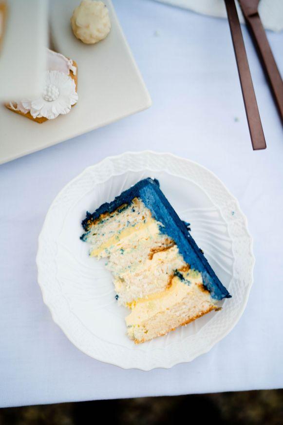 wedding cake passion fruit