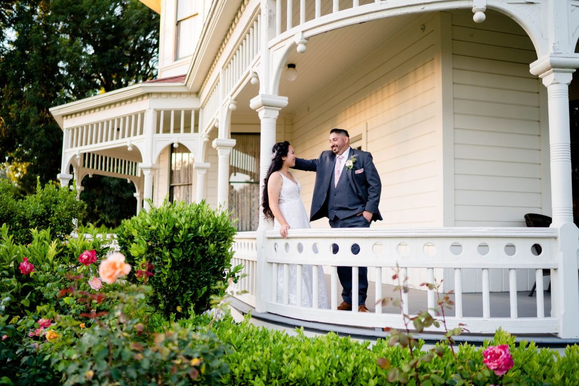historical house wedding