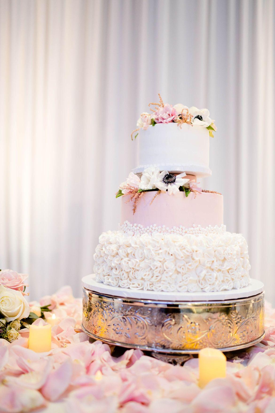 porto's bakery wedding cake