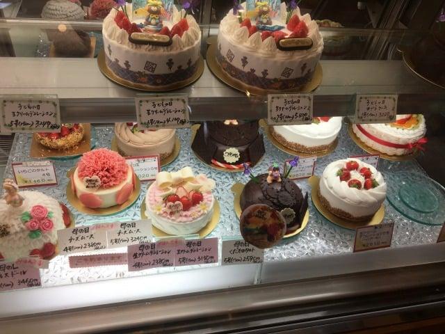 ケーキハウストミタのホールケーキ