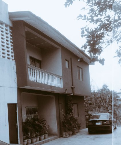 Osagahe's house and studio at Egbeda area of Lagos state