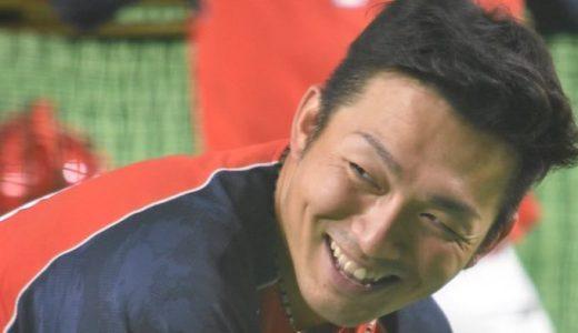真面目に練習する覚醒前夜の野間選手を悪そうな顔で笑う鈴木誠也(7/6 C0-4G)
