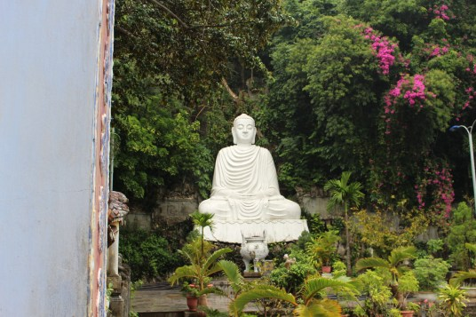 White Bouddha on top of Marble Mountain.