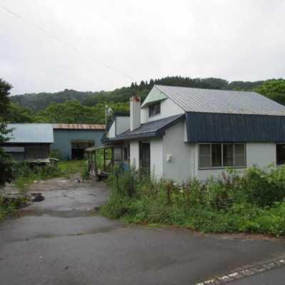 【売買】200万円 北海道虻田郡豊浦町字礼文華 倉庫2つ付きの2階建 広い敷地 駐車3台