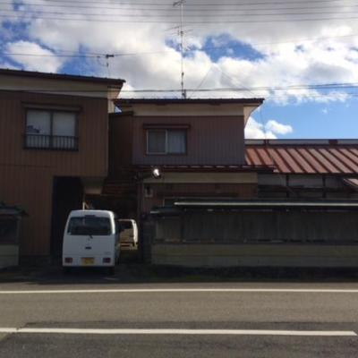 【売買】300万円 宮城県登米市石越町北郷 部屋数が多い物置・車庫付き2階建 上下水道