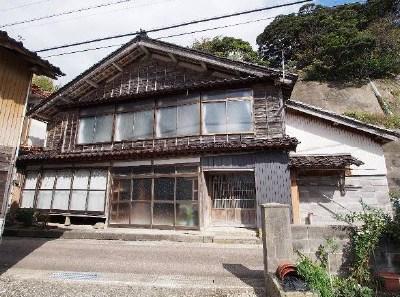 【売買】220万円 石川県鳳珠郡能登町姫 海が近い 広い土間玄関と店舗兼多目的スペースがある古民家