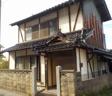 【売買】100万円 広島県世羅郡世羅町甲山 利便性のよい静かな住宅地域にある2階建古民家