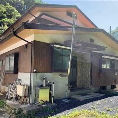 【賃貸】3万円 山梨県上野原市西原 山の中腹にある庭・駐車場付き2階建 直売所隣
