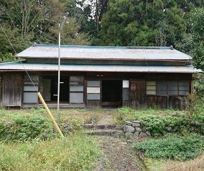 【賃貸】1万円 静岡県静岡市葵区平野 小中学校・バス停・役所・病院近い 自然に囲まれた平屋 畑付き