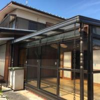 【売買】250万円 香川県東かがわ市三本松 海に近い街中のサンルーム・駐車場付き2階建