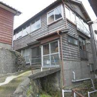 【売買】350万円 新潟県糸魚川市大字能生小泊 2階から海が見える 漁港そばの庭付き2階建 上下水道