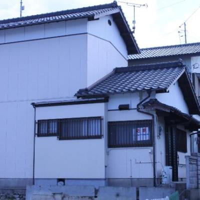 【売買】300万円 長崎県西海市崎戸町蠣浦郷 海まで歩いてすぐ・スーパーそば 生活便利な2階建