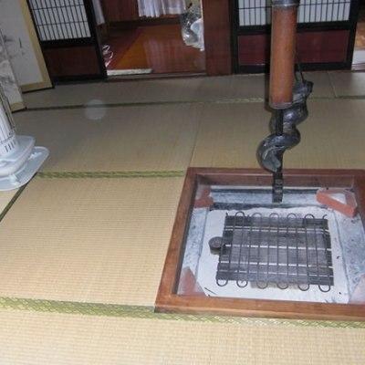【売買】200万円 新潟県佐渡市椿尾 古民家の趣を残す囲炉裏付き平屋 庭・物置・駐車場付き