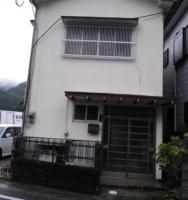 【売買】300万円 熊本県天草市河浦町﨑津 海に張り出したテラスがある5部屋2階建