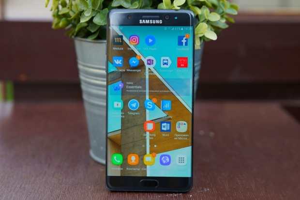 0 Samsung Galaxy Note 5 сокрушительно подешевел в России –дешевле уже не будет