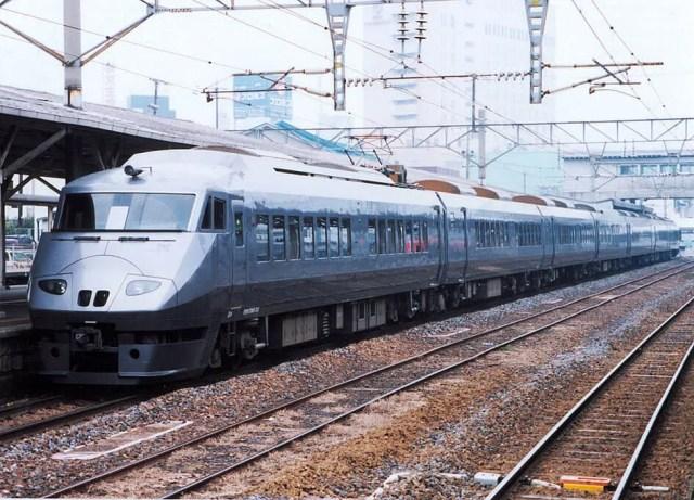 JR九州の新観光列車「36ぷらす3」今秋運行開始