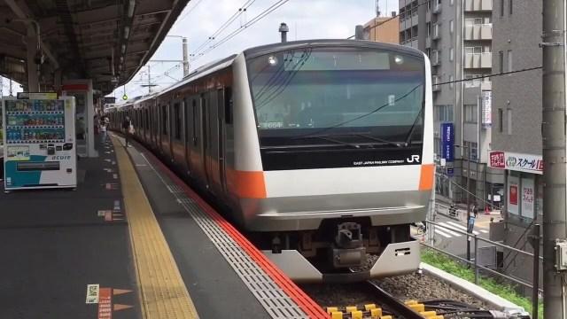 E233系青編成が富士急行へ入線