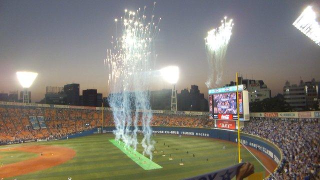 試合終了後の花火:ハマスタ最後の4日間