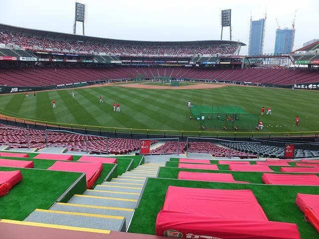広島マツダズームズームスタジアム:寝そべりシートの様子:からの景色眺め