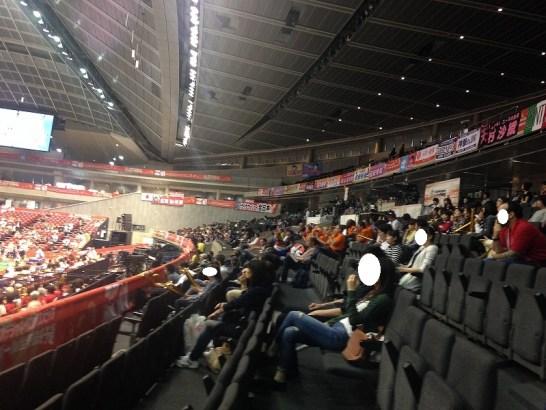 東京体育館:スタンド指定席からの眺め1階:バレー応援