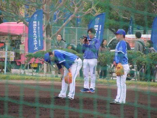 セカンドの練習をする倉本・柴田:横浜DeNAベイスターズ宜野湾キャンプ