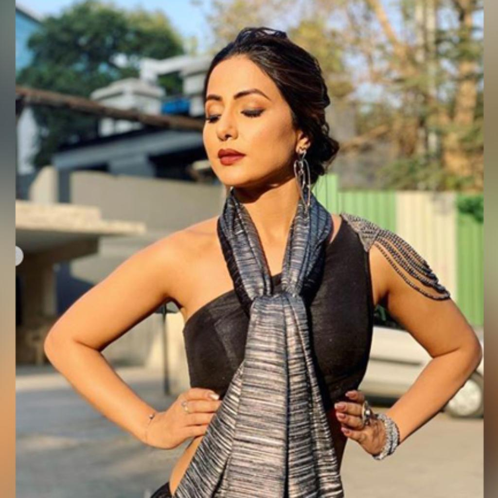 Hina Khan looks gorgeous beyond words in this black saree ...