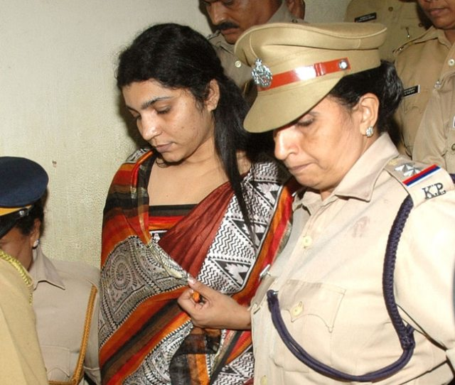 Like Most People In Kerala High Court Judge Justice Harun Al Rashid Had The Same Doubt Does Solar Scam Prime Accused Saritha S Nair Have A Beautician In