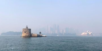 Sydney gasps for air as Australia bushfire smoke reaches record levels