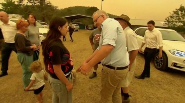 youre an fool, won't get votes: Angry bushfire victim jeers at Aussie PM Scott Morrison