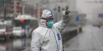 Coronavirus cases fall, WHO says China bought the world time