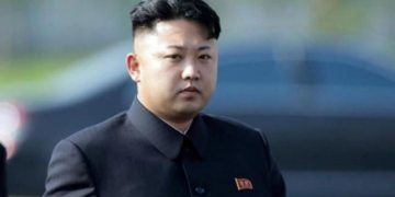 Kim Jong Un makes first public appearance in 22 days amid coronavirus outbreak