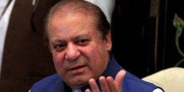 Pakistan anti-corruption officials raid properties of Nawaz Sharif, mother leaves for London
