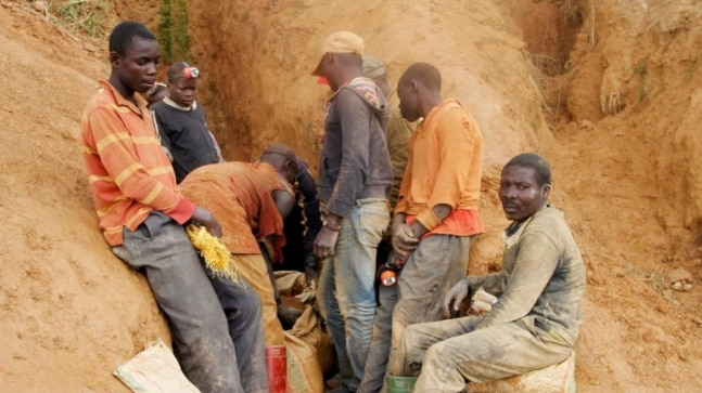At least 50 killed in collapsed gold mine in east Congo - World News