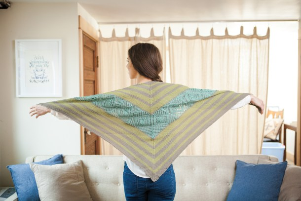 Sea Glass Shawl by Amanda Schwabe #summerknitting #Cotlin #KnitPicks #aknitica