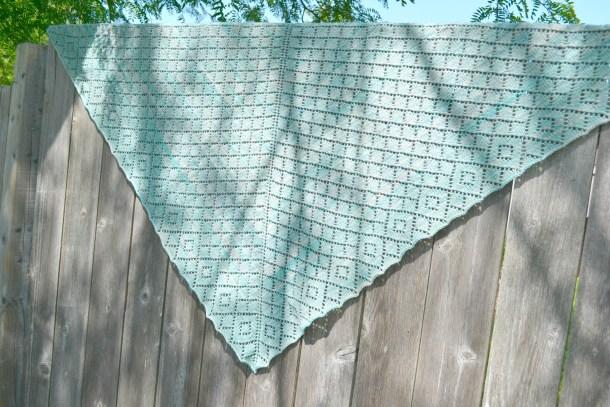 Scintillate Shawl pattern by Amanda Schwabe. www.aknitica.com #knitting #shawls