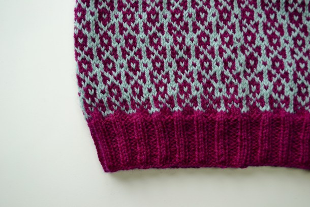 Tips for knitting Fair Isle. www.aknitica.com #knittingtips #write31days
