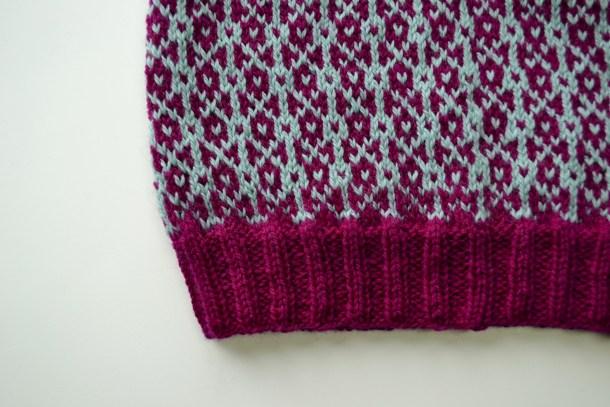 Tips for knitting Fair Isle. www.aknitica.com #knittingtips #write31days
