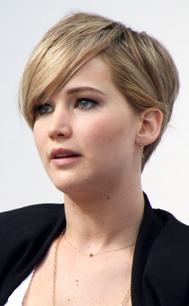 jennifer lawrence cut hair short because it was fried