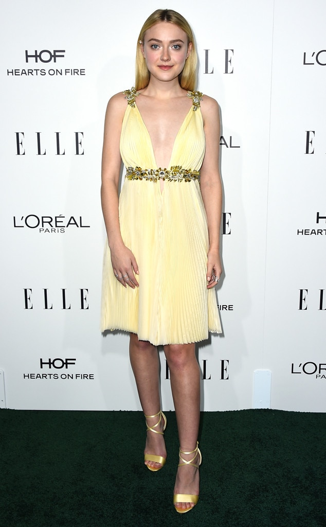 Dakota Fanning is a sunflower