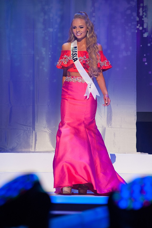 Tana Bartels, Miss Alaska Teen USA 2017, Preliminary Competition, Evening Gown